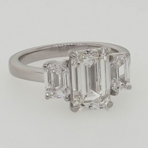 ctr: 3.01 ct / melee: 1.08 ct